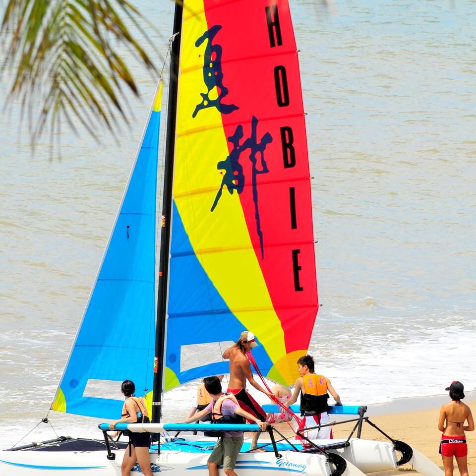 cf6cbc36ef911 Hobie Sailboat-Taiwan Kenting Chateau Beach Resort